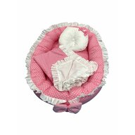 Deseda - Cuib baby nest bebelusi cu volanase  paturica si pernuta Roz cu buline albe LUX