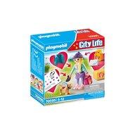 Playmobil - Set de constructie Fetita la moda cu catel City Life