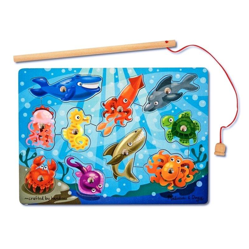 Joc de pescuit magnetic Animale marine Melissa and Doug din categoria Puzzle copii de la Melissa & Doug