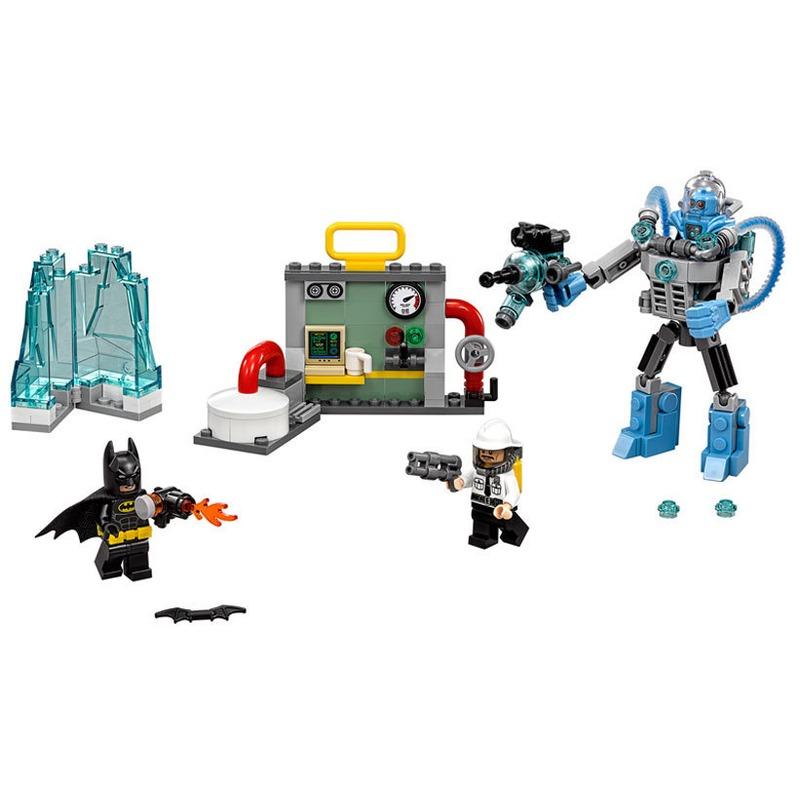 LEGO® Mr. Freeze™ si Atacul inghetat din categoria Lego de la LEGO