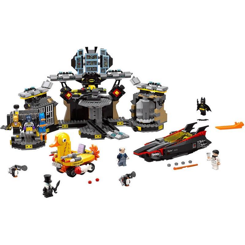 LEGO® Patrunderea in Batcave din categoria Lego de la LEGO