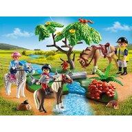 Playmobil - Plimbare la tara cu calutii