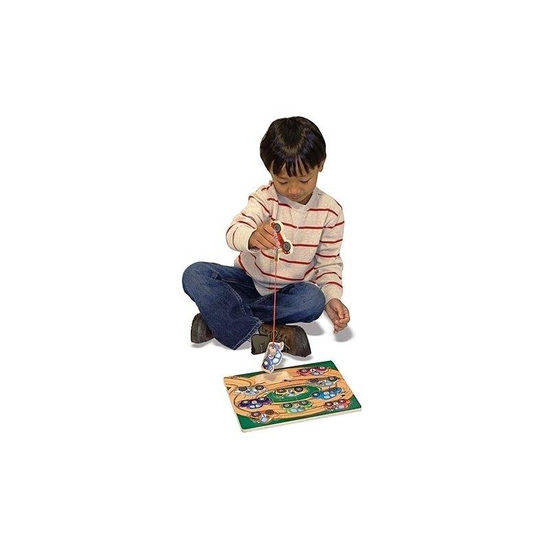 Puzzle lemn magnetic Remorcherul Melissa and Doug din categoria Puzzle copii de la Melissa & Doug